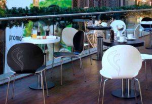 fotele krzesla stoly_kawiarnia ijadalnia